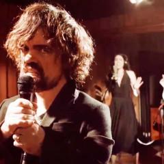 Peter Dinklage se arranca a cantar presumiendo de que Tyrion sigue vivo
