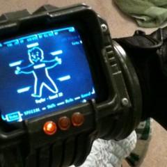 Un fan de Fallout crea un Pip-Boy 3000 funcional