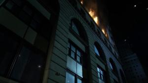 Gotham 2x06 Incendio