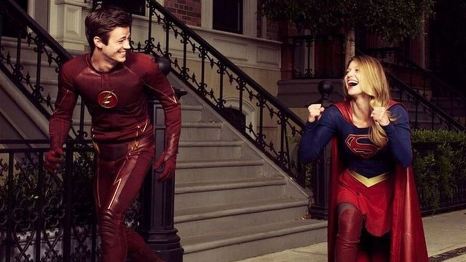 Flash y Supergirl