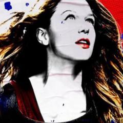 El póster de Supergirl que rinde homenaje a una icónica portada de cómic