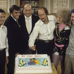 """La extraña pareja"" rendirá homenaje a Garry Marshall"