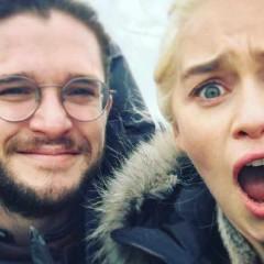 Emilia Clarke y Kit Harington cambian a Protagonista en los Globos de Oro