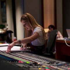 Pinar Toprak se convierte en la primera compositora de Marvel