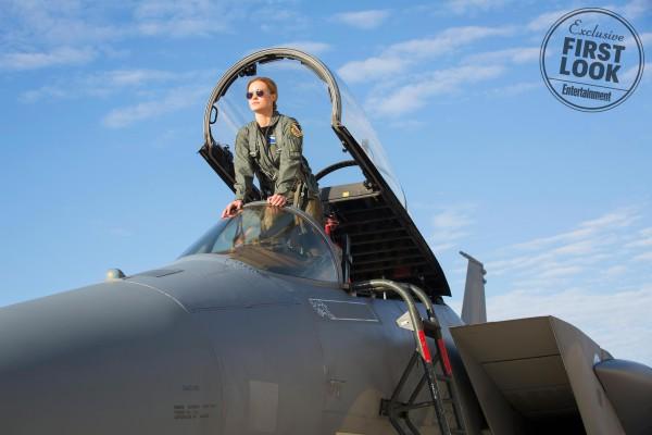 Carol Danvers como piloto de las Fuerzas Armadas