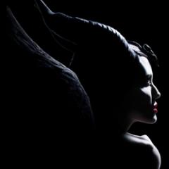 Disney y su primer póster de Maléfica 2 con Angelina Jolie