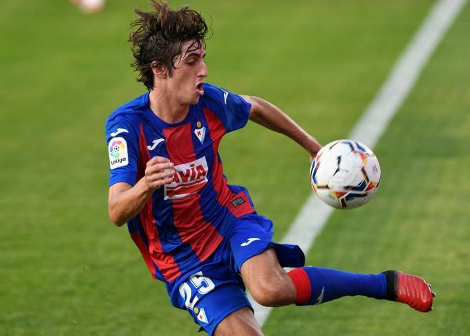 Bryan Gil, uno de los jugadores cedidos, en el Sevilla-Éibar (Foto: Kiko Hurtado).