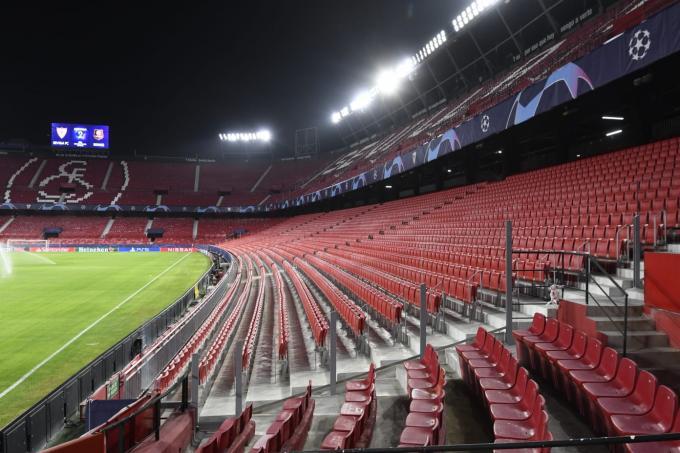 El Sánchez-Pizjuán, preparado para la Champions League (Foto: Kiko Hurtado).
