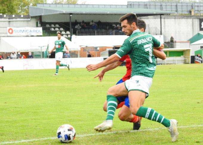 Aitor Aspas, con el '7' a la espalda, con el Coruxo (Fotos: CoruxoFCoficial).