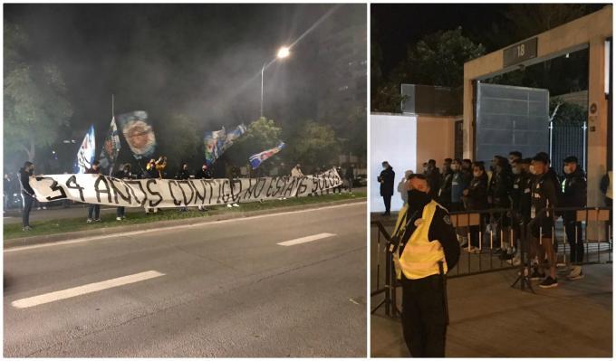 Recibimiento del Frente Bokerón y el equipo viéndolo en la entrada a La Rosaleda (Fotos: F.N.).
