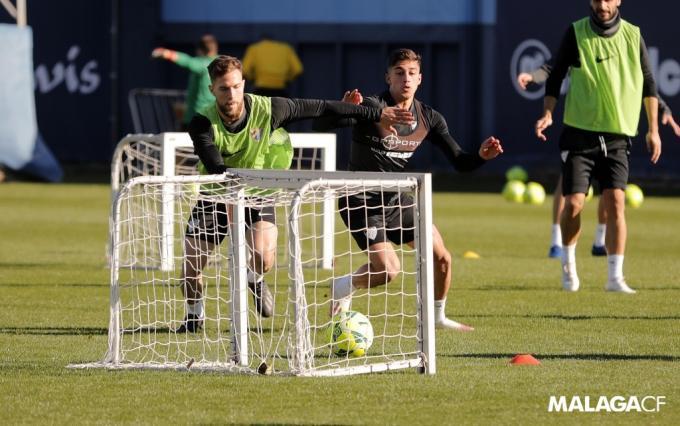 Calero, durante un entrenamiento la semana pasada (Foto: Málaga CF).