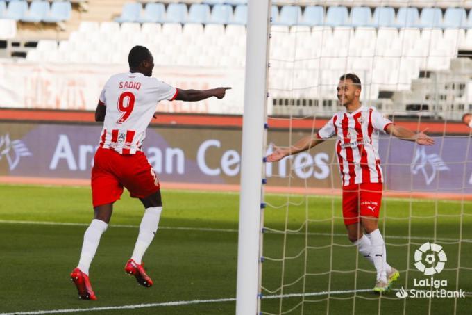 Sadiq festeja el 1-0 anotado ante el Málaga (Fotos: LaLiga).