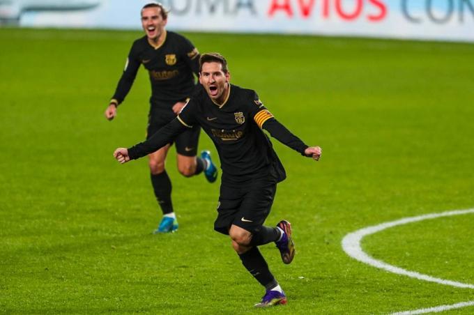 Leo Messi celebra su primer gol al Granada (Foto: FCB).