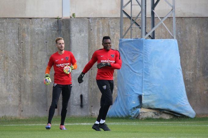 Aarón y Kameni, durante un entrenamiento.