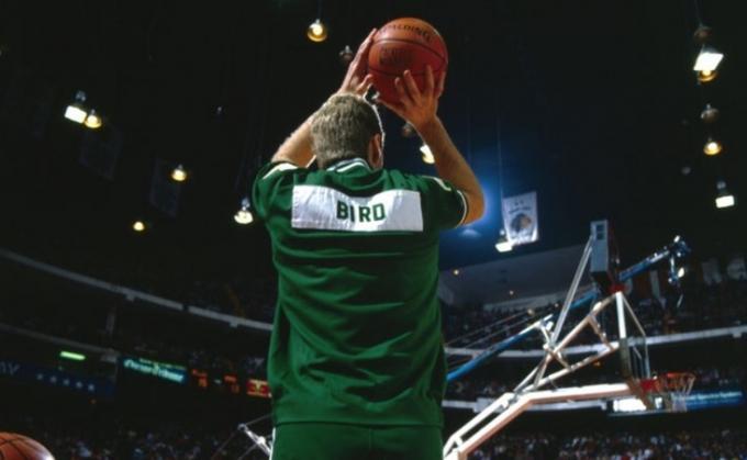 Por aquel dedo de Larry Bird me hice de los Celtics