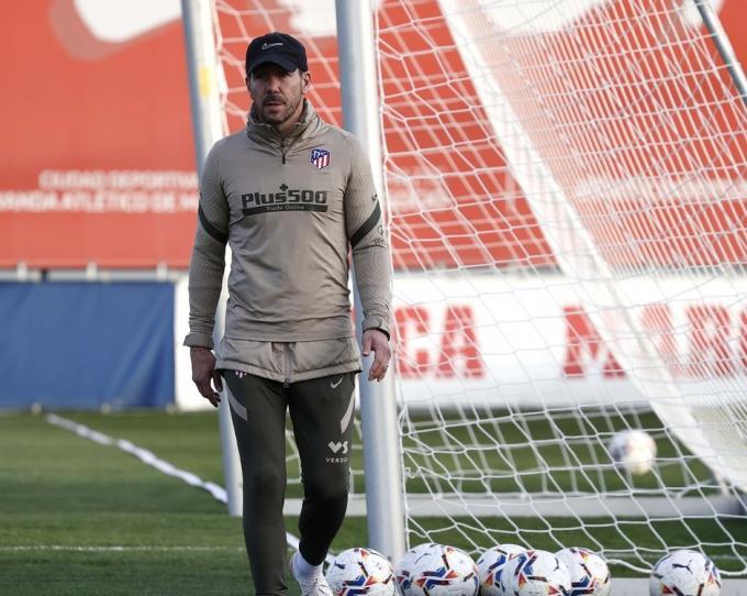 Simeone recupera sus dos puñales: ¡directos al once ante el Real Madrid!