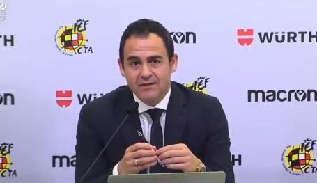 """La afición del Atlético estalla contra Velasco Carballo y teme por el derbi: """"Está preparando el atraco"""""""