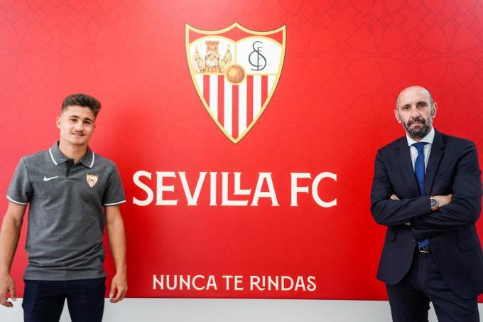Iván Romero renueva por el Sevilla FC (Foto: SFC).