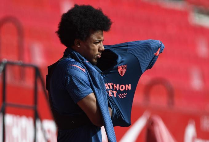 Koundé, en entrenamiento en Sánchez-Pizjuán (Foto: Kiko Hurtado).
