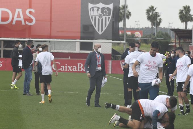Monchi, celebrando el ascenso del Sevilla Atlético (Foto: Kiko Hurtado).