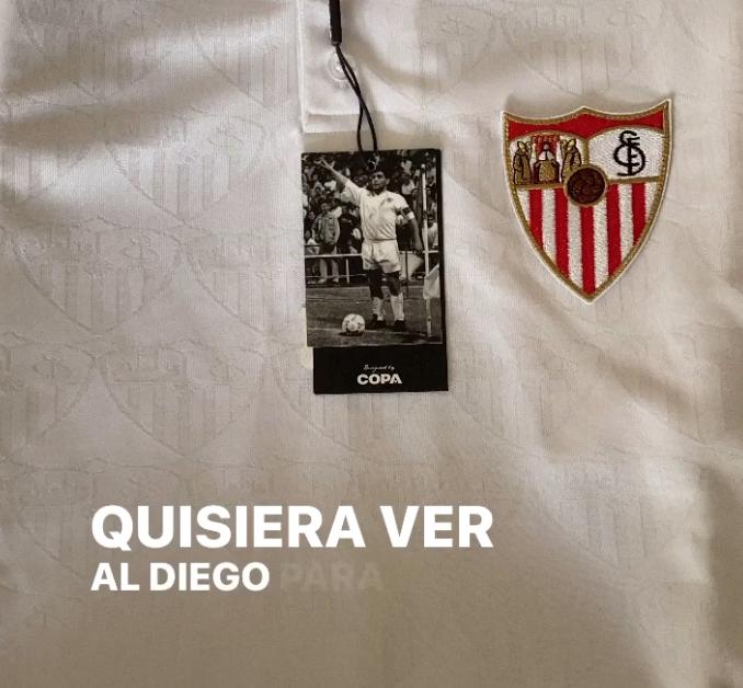 Camiseta del Sevilla durante la etapa de Maradona en las redes sociales de Papu.