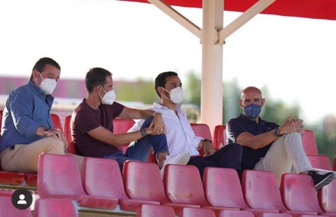 Monchi, junto a Del Nido Carrasco en el entrenamiento del Sevilla (Foto: SFC).