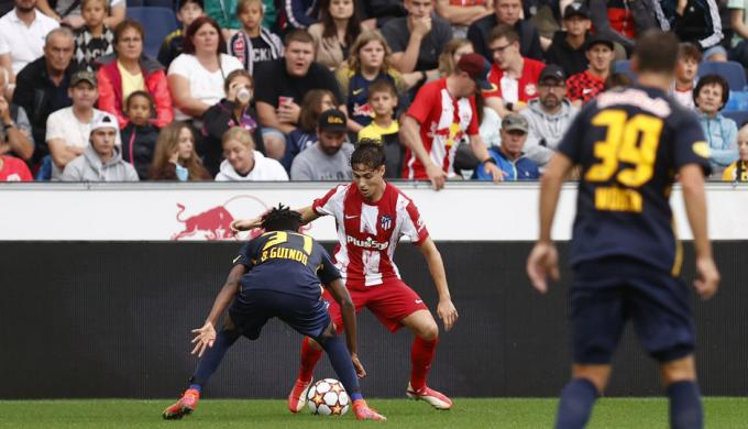 Simeone quiere darle minutos y cuatro equipos españoles preguntan por él al Atlético de Madrid